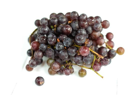 Grapes (Red Seedless, 1/2 lb)