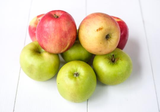 Apples (Discounted, 2 lbs)