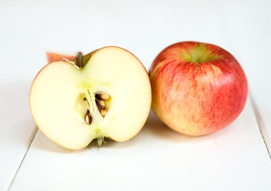 Apple (Prima, sml) - not certified, grown organically