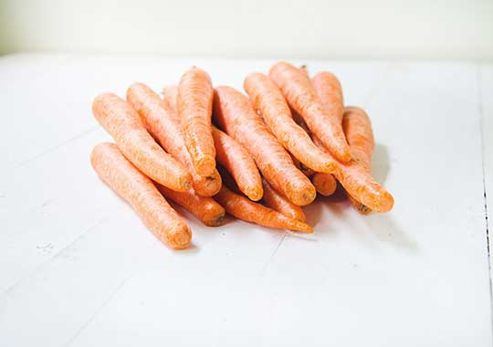 Carrots (2 lbs) - local!
